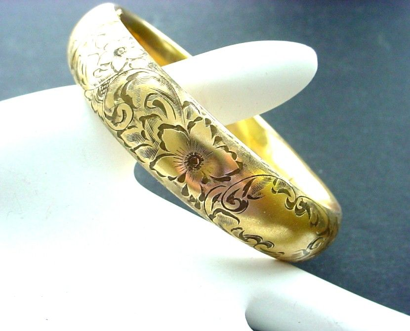 14K Gold Victorian Beautifully Engraved Bangle Bracelet