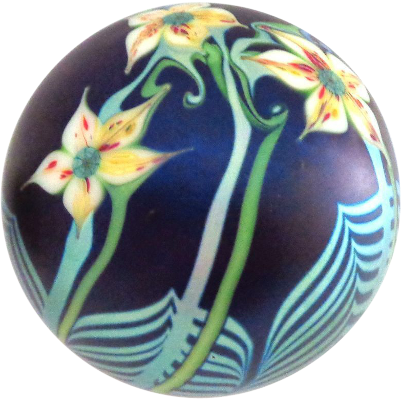 Large Iridescent Orient & Flume 1978 Paperweight