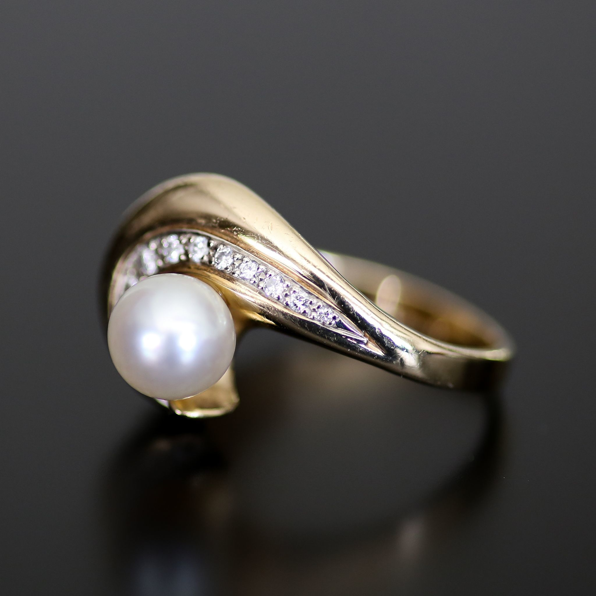 Vintage Lady's 14K Cultured Pearl and Diamond Ring
