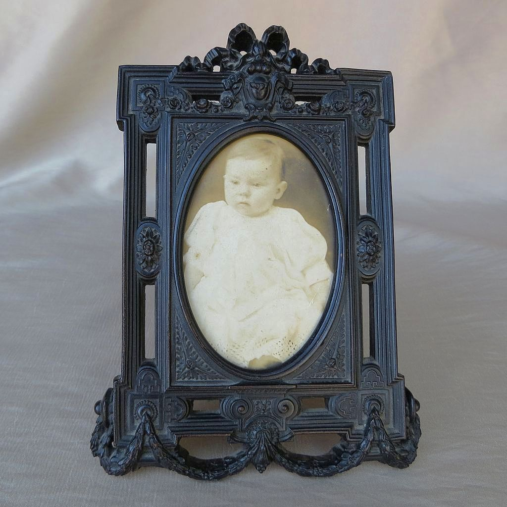 Beautiful Antique Victorian Gutta Percha Picture Frame