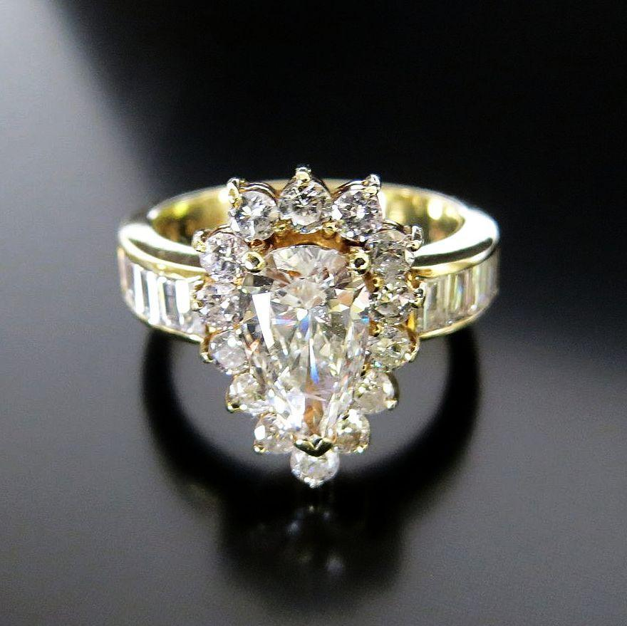 Lady's 14K Vintage Brilliant Pear Shape Diamond Ring