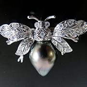 Lady's Fabulous 18K Gold Diamond & Pearl Bee Brooch