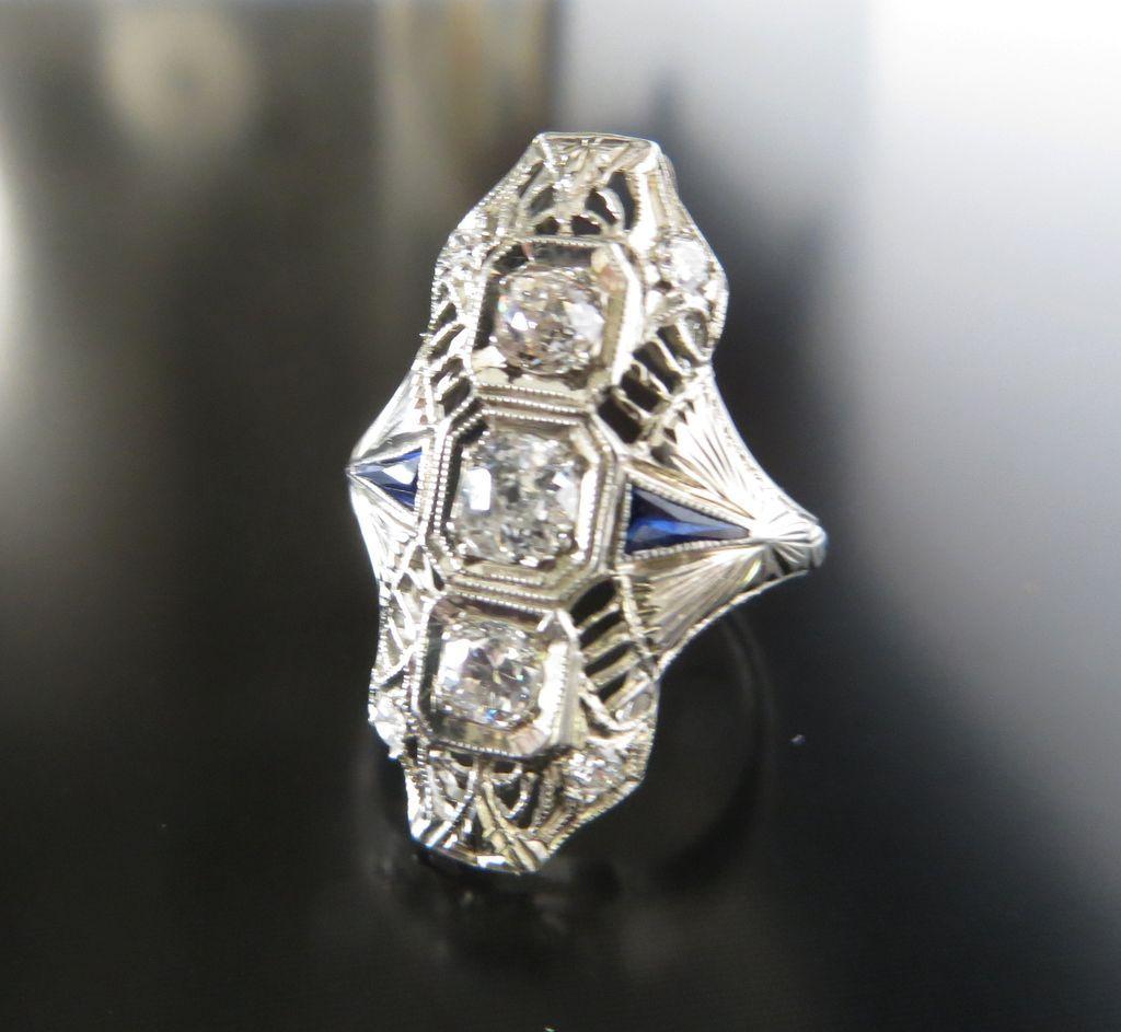 Beautiful Circa 1920's Art Deco 18K Diamond & Sapphire Ring