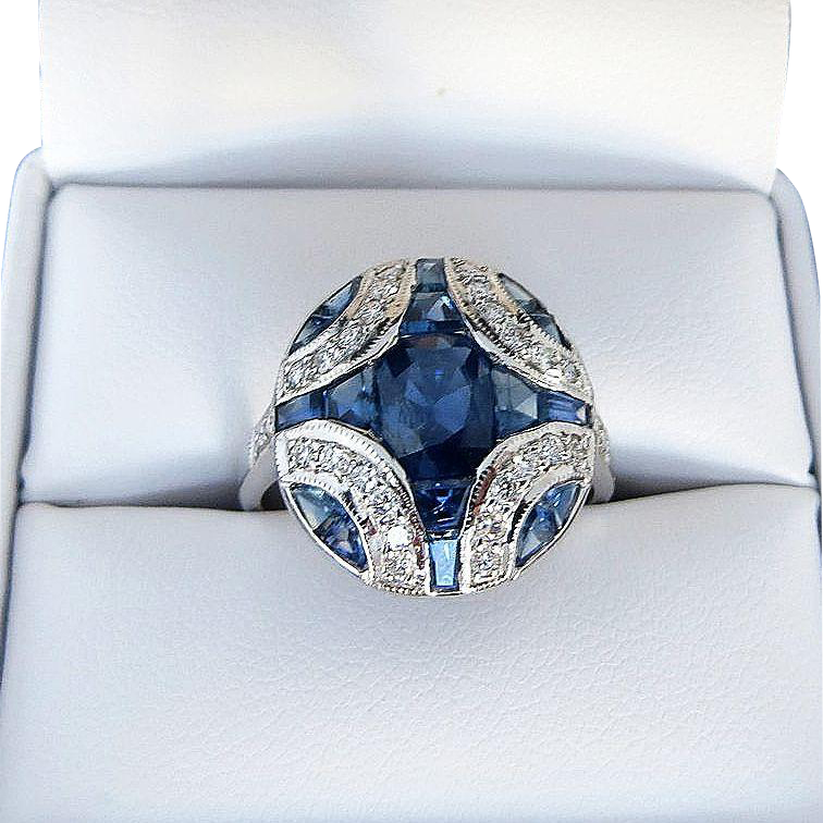 Beautiful Lady's Vintage Custom 18K Sapphire & Diamond Ring
