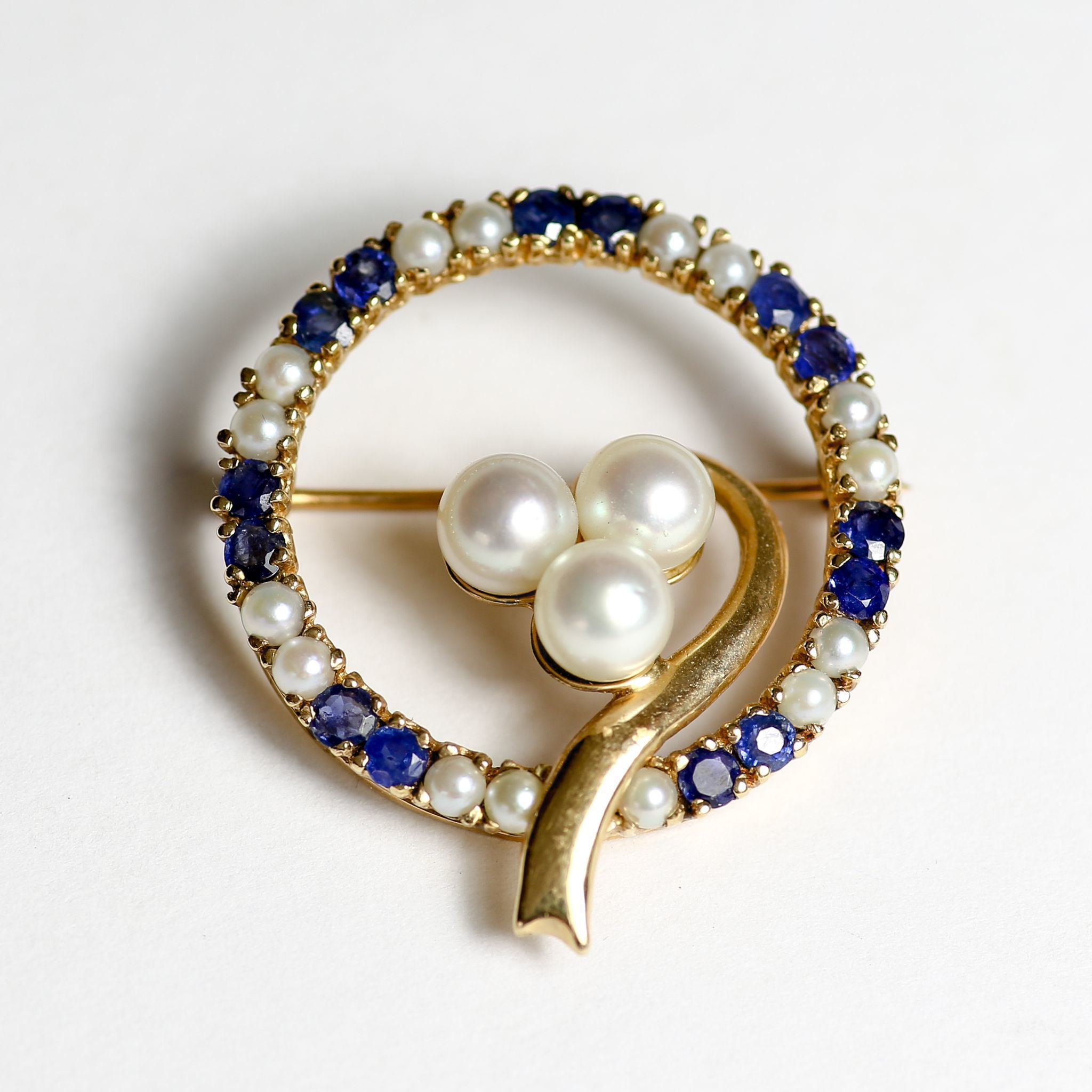 Vintage Circa 1940's Lady's 14K Sapphire & Pearl Brooch