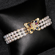 Lady's Vintage 14K Cultured Pearl Bracelet With Diamond Gem Stone Butterfly Clasp