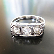 Lady's Art Deco 18K Diamond Ring