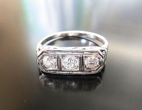 Lady's Art Deco 18K Diamond Ring