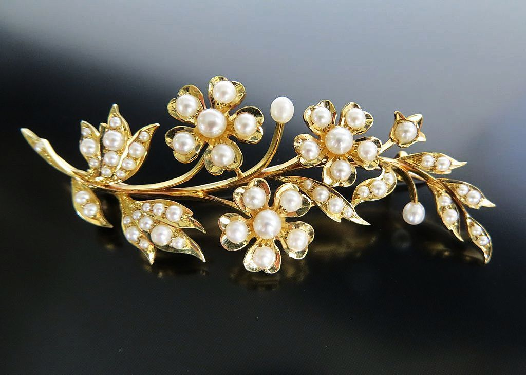 Exquisite Circa 1890 Lady's 15K English Pearl floral Brooch