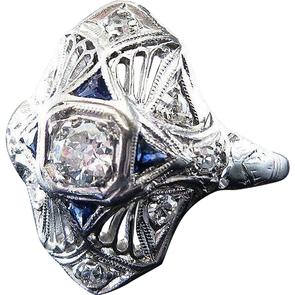 Very Beautiful Lady's Platinum Art Deco Diamond & Sapphire Ring