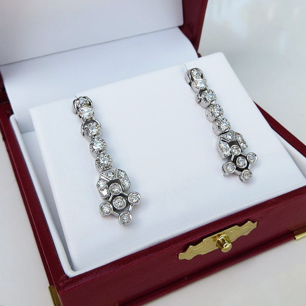Ladys Vintage 18K W/G Diamond Drop Earrings