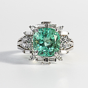 Amazing Vintage 14K Lady's Emerald & Diamond Ring