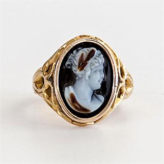 Lady's 18K Antique Circa 1890 Hard Stone Cameo Ring