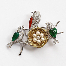 Vintage Lady's 18K Diamond & Pearl Birds With Nest Brooch
