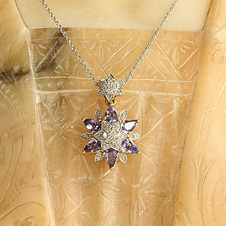 Lady' Vintage 18K Diamond & Tanzanite Pendant