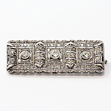 Lady's Circa 1900 Antique Platinum Diamond Brooch