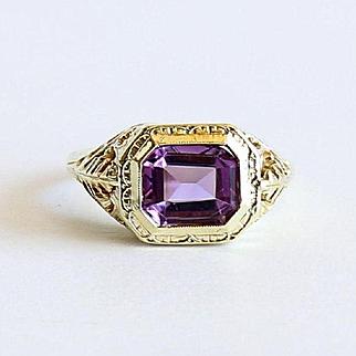 Lady' Vintage 14K Art Deco Amethyst Ring