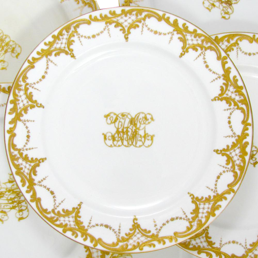 Antique Minton for Ovington English Porcelain Raised Impasto Gold Enamel Dinner Service Plates Set, 1888
