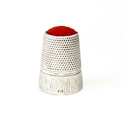 Continental .800 Silver & Carnelian Stone Topped Sewing Thimble
