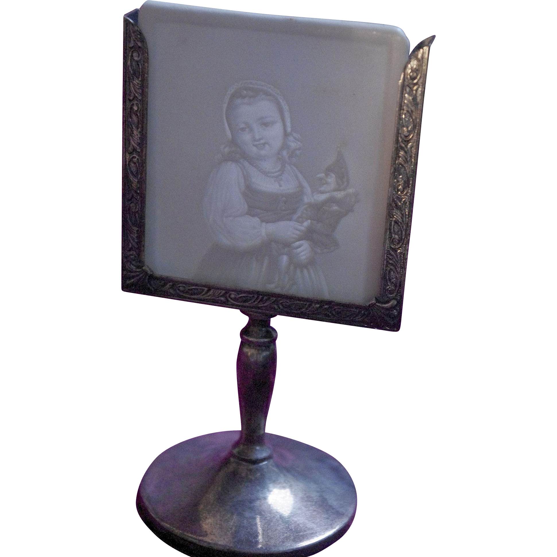**Lithopane holder With Girl And Polichinelle Lithopane ***