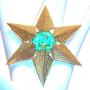 Van's Authentics Light Green Glass Rhinestone & Gold Tone 6 Point Star Pin