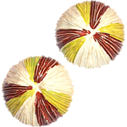 Vintage Plastic Floral Design Buttons
