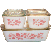 Pyrex 4 Pc Pink Gooseberry Refrigerator Dishes, Plus Lids