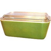 Pyrex Green 1 1/2 Pt Glass Refrigerator Dish With Clear Lid