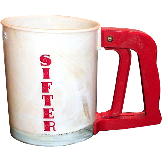 Popeil Bros. 1940's Red & White Plastic Hand Flour Sifter