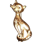 Monet Gold Tone Retro Cat Design Pin