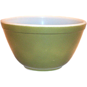 Pyrex Green 1 1/2 Pt Bowl