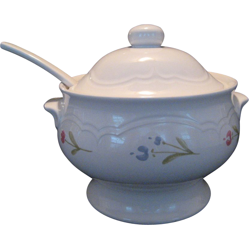 Pfaltzgraff Garland Gazebo Soup Tureen and Ladle