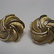 Crown Trifari Goldtone Clip On Earrings