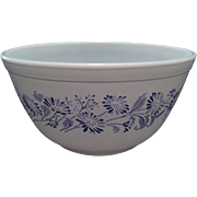 Pyrex Colonial Mist Mixing Bowl
