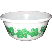 Hazel Atlas Green Ivy Leaf Mixing Bowl