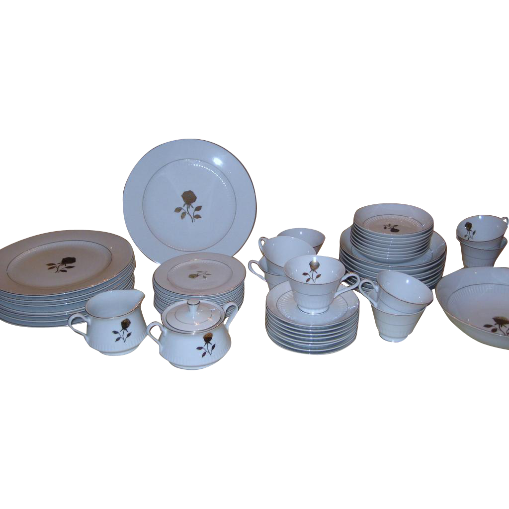 Fine China of Japan Gold Rose Service for 8 + Extras