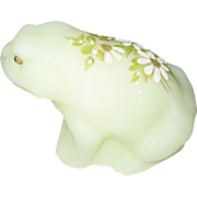 Fenton Daisies on Custard Frog Figurine