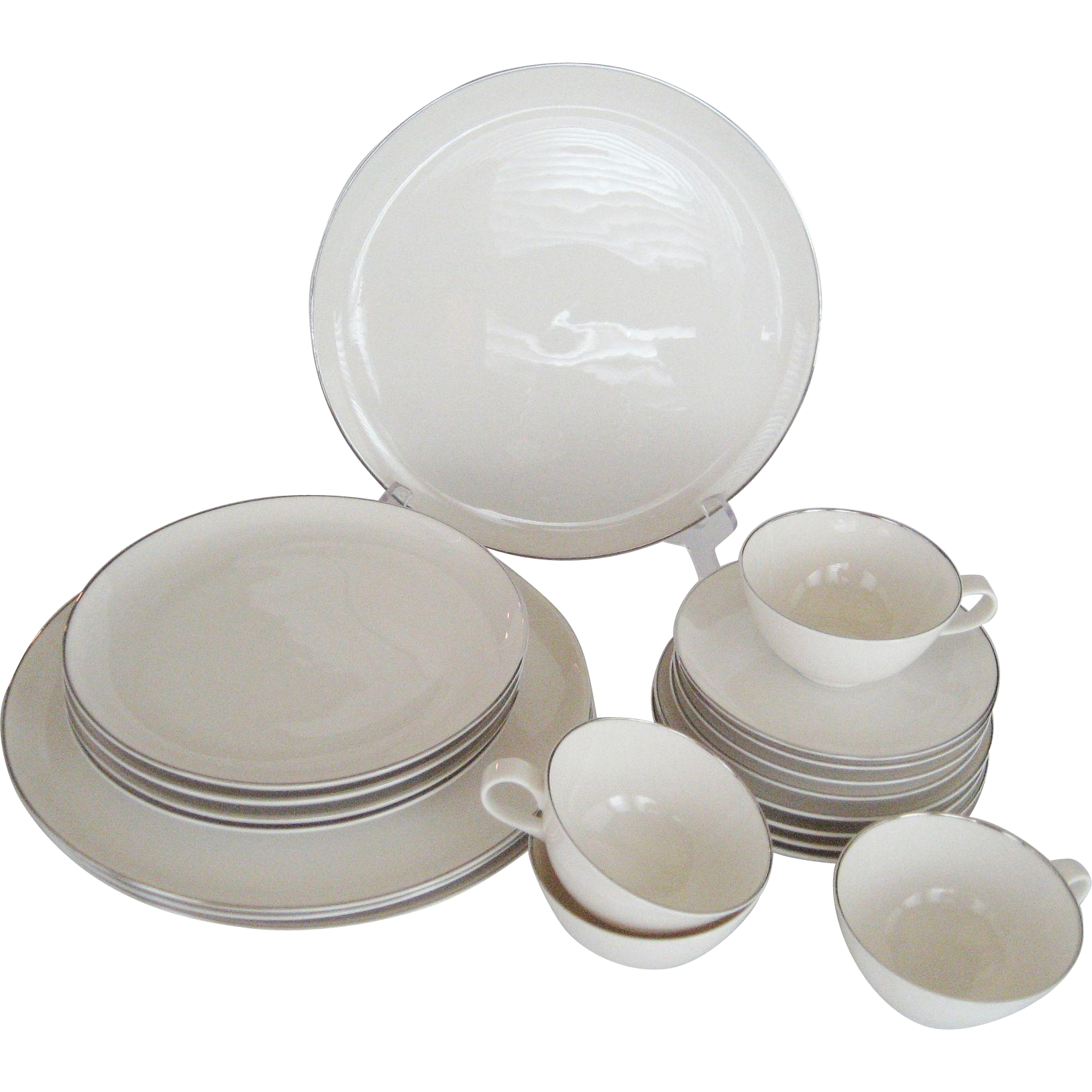 "20 Pc. Set Syracuse ""Chevy-Chase"" Dinnerware"