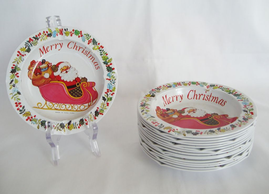 Set of 16 Tin Christmas Ashtrays