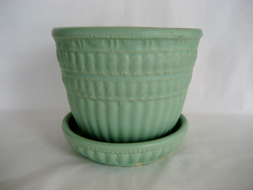 Green McCoy Planter With Underplate
