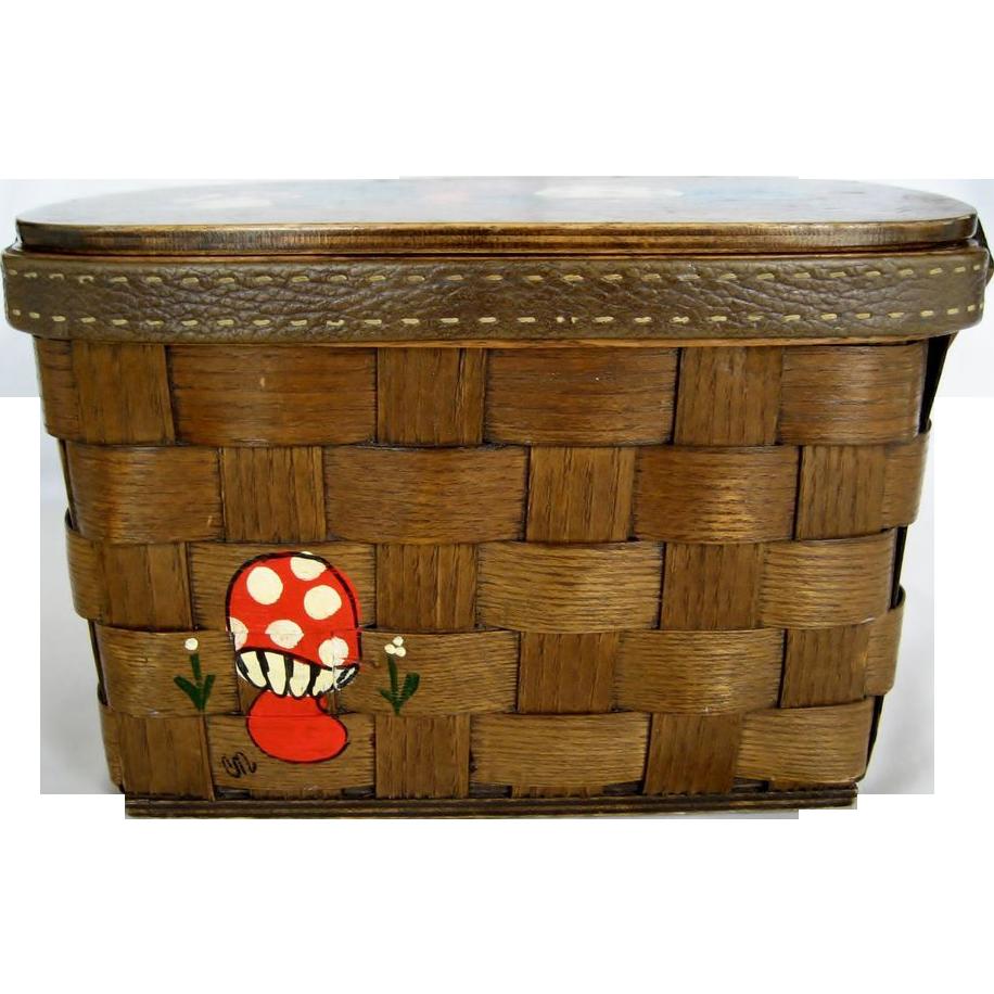 Caro-Nan Wooden Mushroom Purse