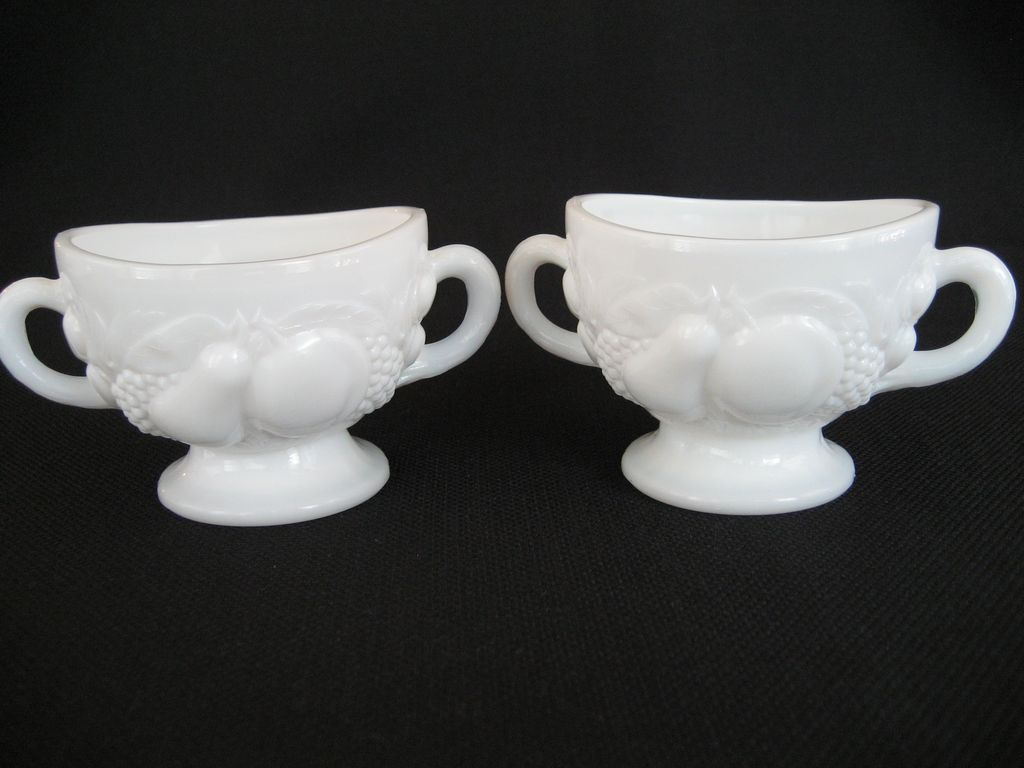 Pair of Westmoreland Della Robia Open Sugars