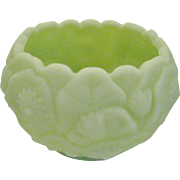 Fenton Lime Green Satin Water Lily Rose Bowl