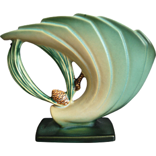 "Roseville Pottery PineCone Fan Vase #472-6"", Green"