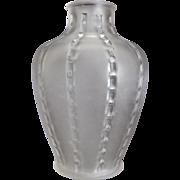 R. Lalique Bandes De Roses Vase #910, Ca. 1919