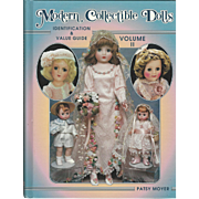 "1998 Book "" Modern Collectible Dolls- Volume 2"" by Patsy Moyer"