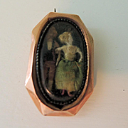 Sweet Little Locket with Tiny Dolls Inside