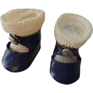 Vogue Ginny Dark Blue Center Snap Shoes with Socks In Super Condition