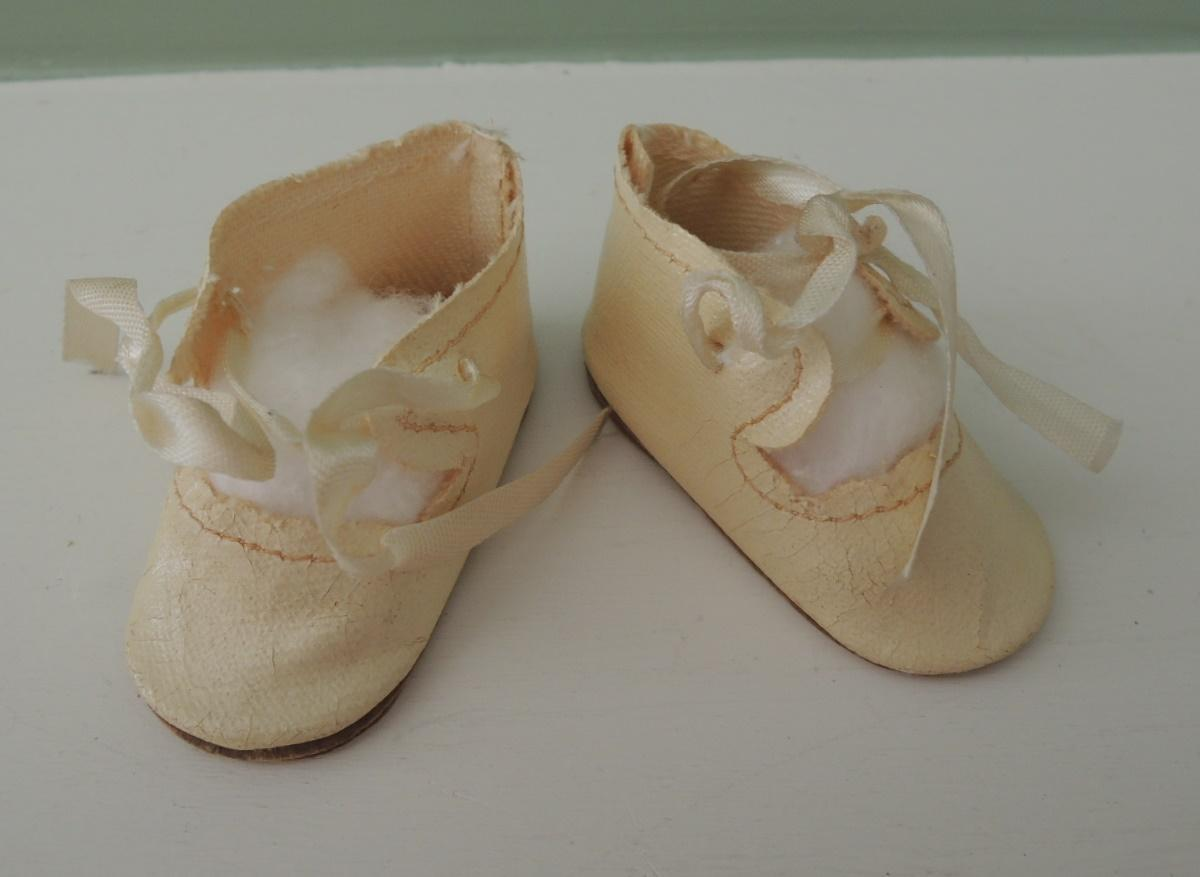 Nice Cream Color Oil Cloth Shoes for Compo or Bisque Dolls