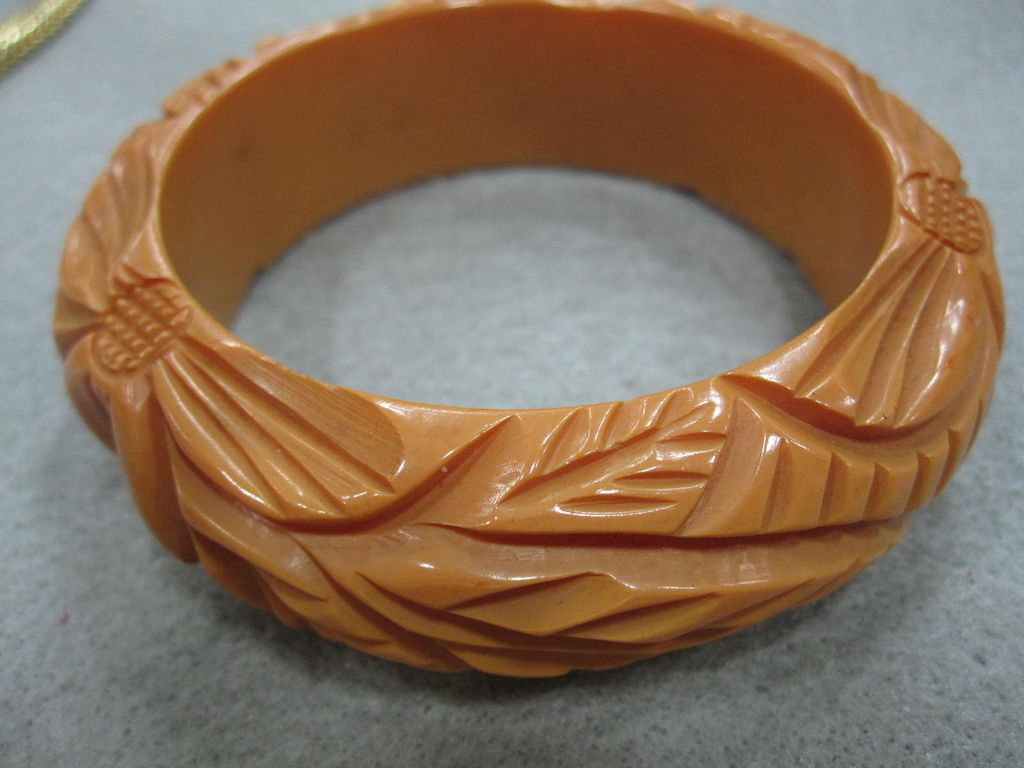 Chunky, Thick Butterscotch Bakelite bangle bracelet